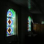 香川県高松市カトリック桜町教会内陣のステンドグラス/ステンドグラス わたなべ工房の仕事